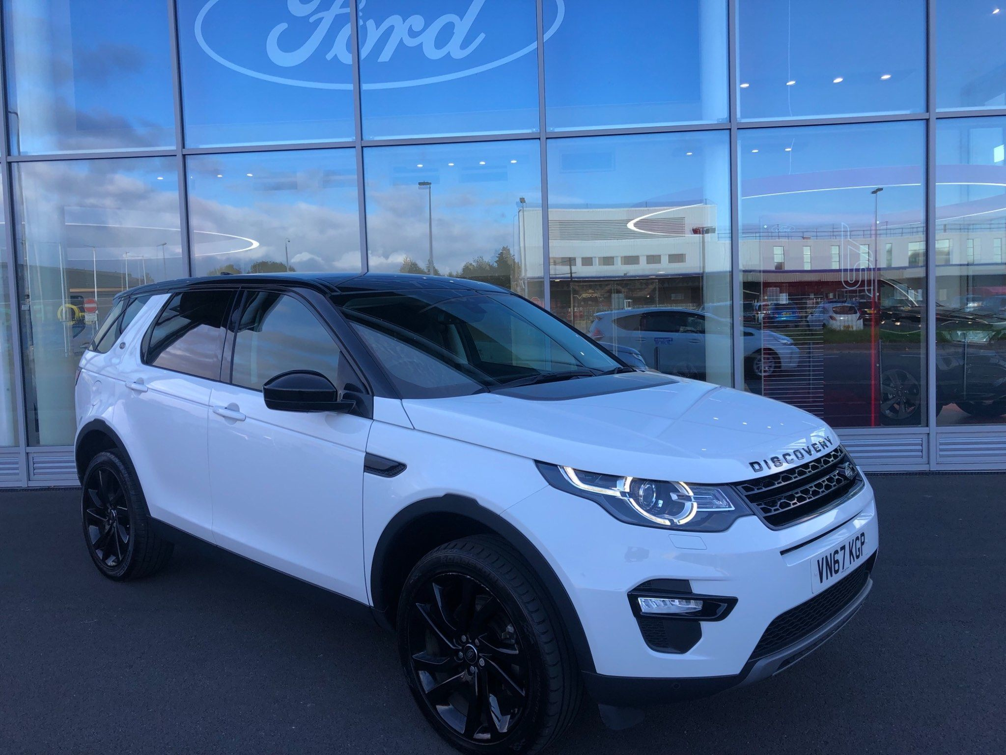 2017 Land Rover Discovery Sport TD4 HSE Black